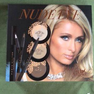 Paris Hilton nude Eye makeup